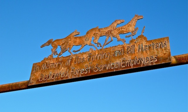 "Bronco Trailhead memorial In memory of Joe Fanning and Bill Mertens, Dedicated Forest Service Employees""."