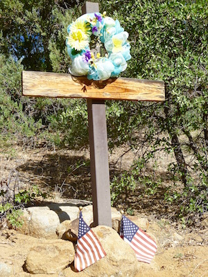 Arleen Cilione's roadside memorial at Glen Oaks, on AZ-89.