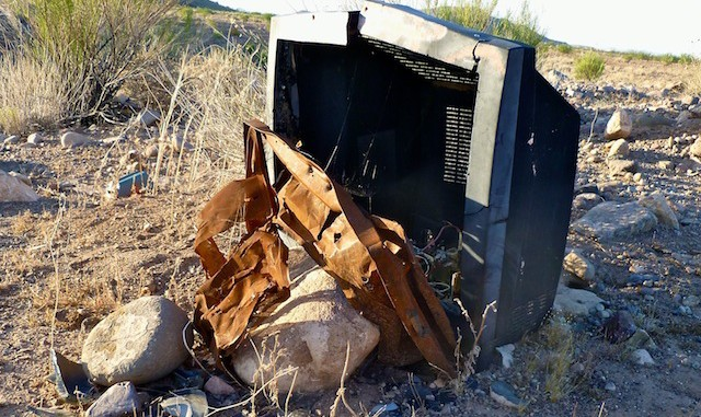 Shot up TV near FCI Phoenix: Someone did not want their MTV.