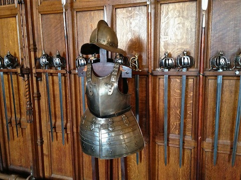 17th Century (?) armor & weapons in the Great Hall.